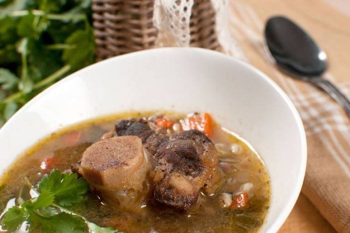 Bone Broth Is Good For Your Gut