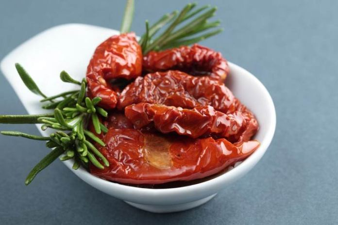 Sun-dried tomatoes can help increase iron levels