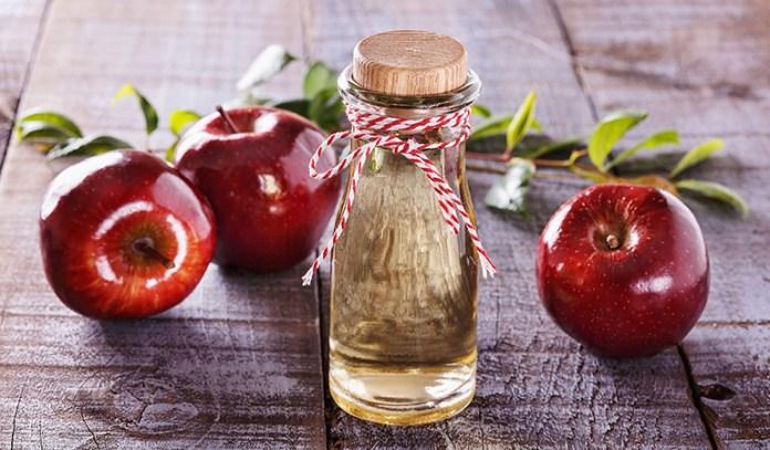 Apple cider vinegar helps kill acne-causing bacteria