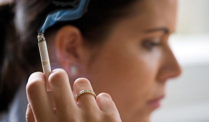 Smoking and caffeine intake is associated with arrhythmia