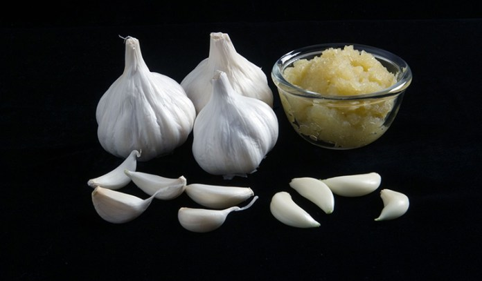 A Paste Of Garlic Cloves Can Help Treat Boils