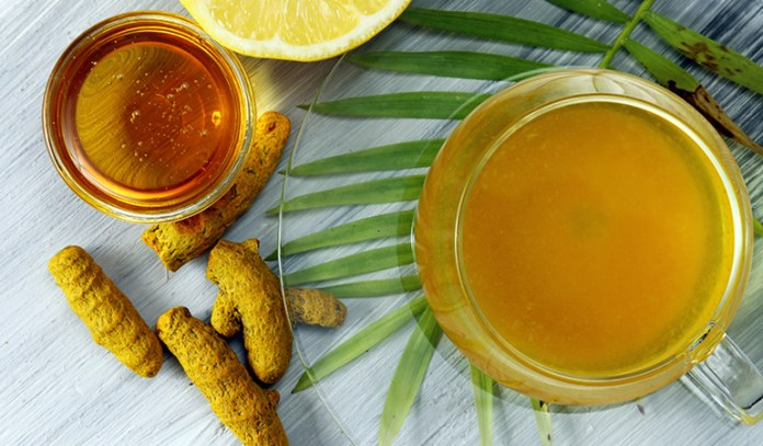 Add a pinch of turmeric to your tea and make it healthy