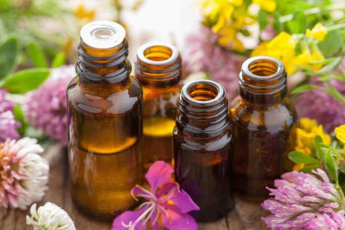 Different essential oils treat sprained ankles in different ways
