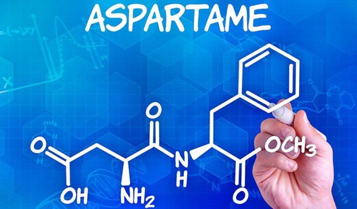 Aspartame is an aritificial sweetener that causes brain fog.)