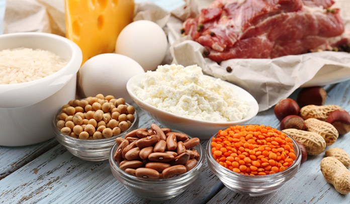 Eggs, nuts, and beans are all effective for your eyesight