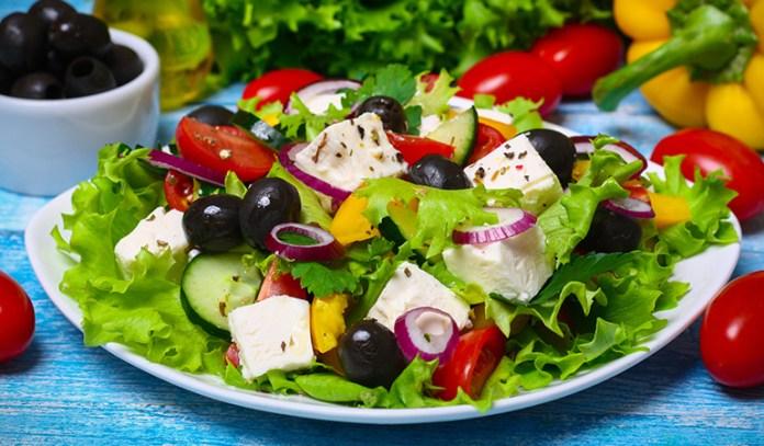 health benefits of greek salad