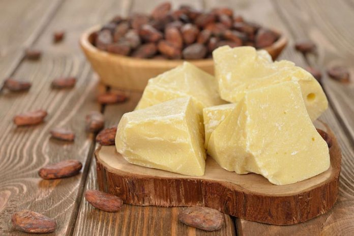 Cocoa butter hydrates the skin and removes dark circles
