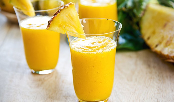 A pineapple and turmeric smoothie has a lot of benefits for your cold