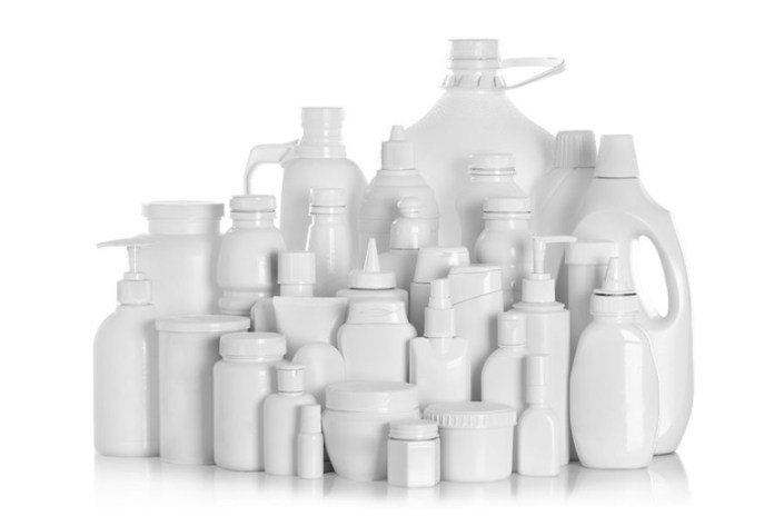 Chemicals That Commercial Cleaning Products Contain