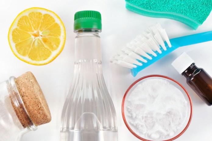 Use Vinegar As A Scented Vinegar Toilet Cleaner