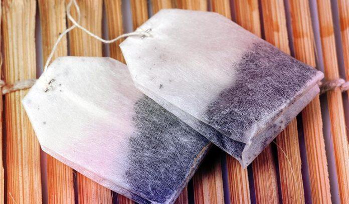 Cool Your Eyes With Teabags