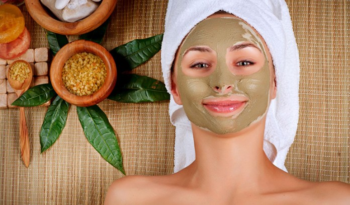 Herbal face packs can remove dirt from skin pores