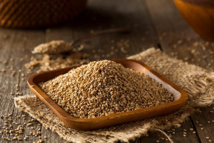 A simple sesame seed snack recipe