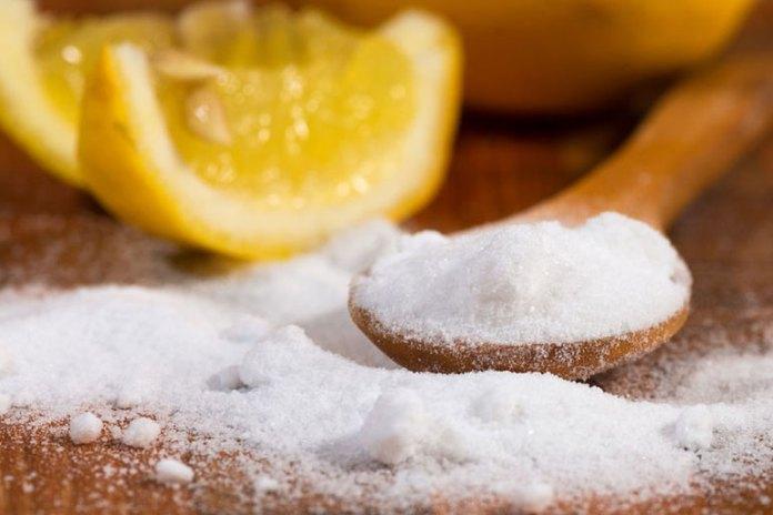 baking soda and lemon make natural air fresheners