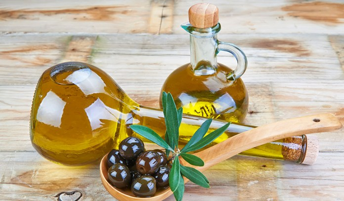 Olive oil has the potential to retain moisture thus healing scars effectively
