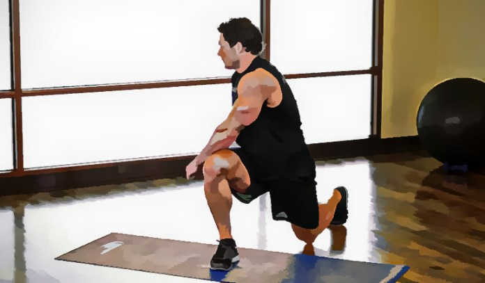 Reverse lunge twist works on the lower back, pelvic muscles, thighs, and calves
