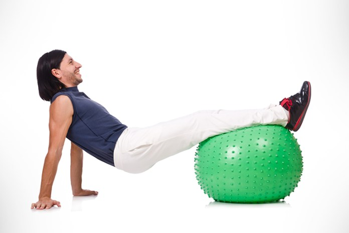 Helps to work the abdominals