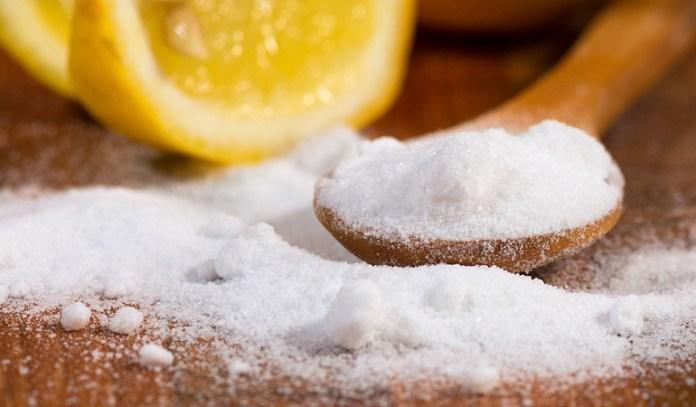 baking soda and honey scrub for oily skin
