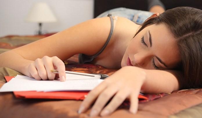 Pregnancy symptoms vs PMS symptoms: fatigue
