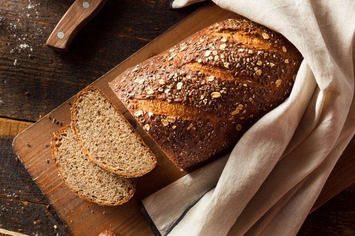 Whole grain bread contains vitamin B and E