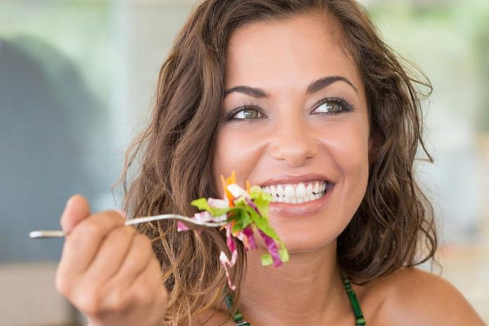 Eating fast will mean more air and subsequent bloating
