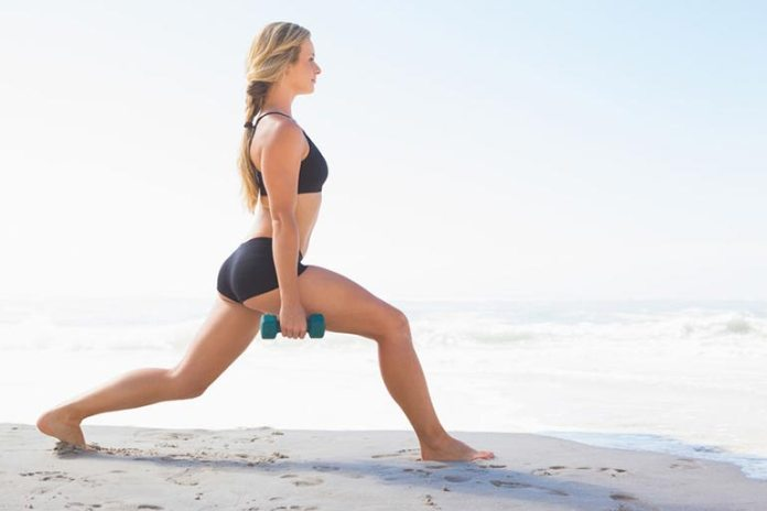 weight walking lunges for butt