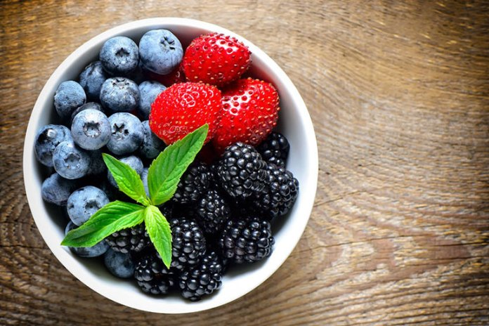 Fibrous berries with their skins are ideal natural laxatives