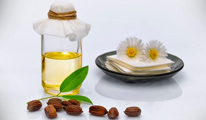 Jojoba oil reverses skin aging.