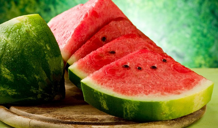 Regularly eating watermelon and its ground seeds can dissolve bladder stones