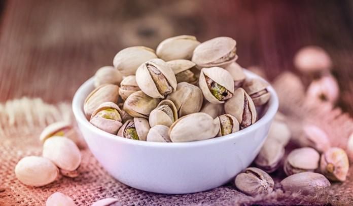 1 oz of pistachios has 1.11 mg iron.