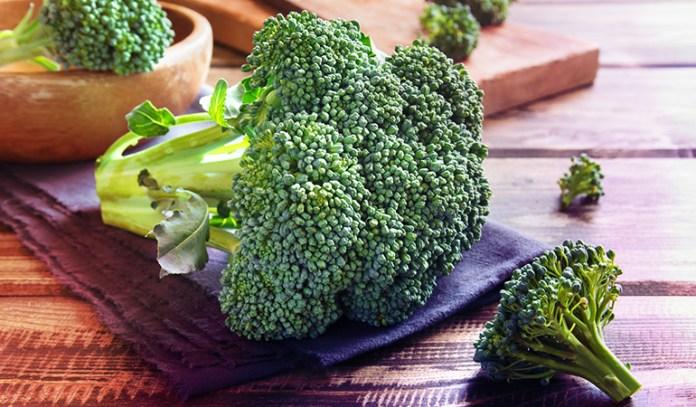 Broccoli has 0.7 mg of zinc.