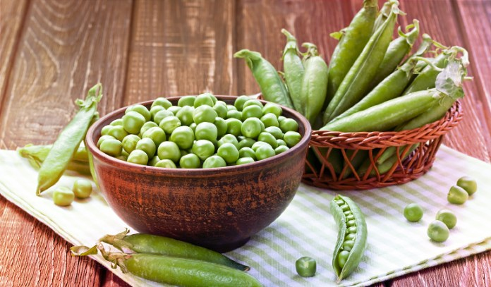 1 cup of peas: 62 mg of magnesium (14.7% DV)