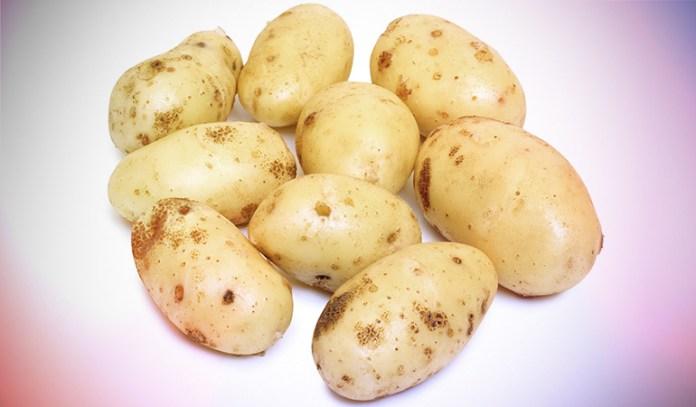 Medium baked potato: 52 mg of magnesium (12.3% DV)