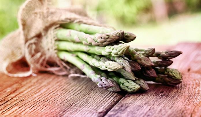 Asparagus has 4.32 gm per cup.