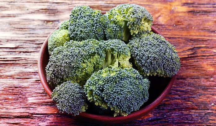 1 cup of broccoli: 32 mg of magnesium (7.6% DV)