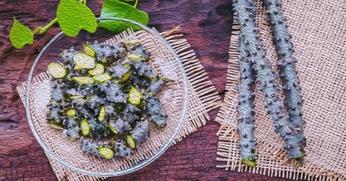 Guduchi is a potent ayurvedic herb that reduces stress, detoxes the liver, and lowers fever.