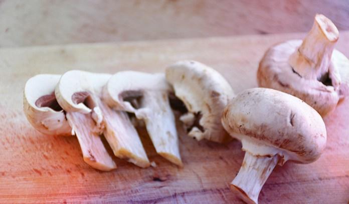 Mushrooms contain 50–2,000 ng/g of vanadium.