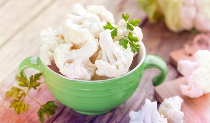 1 cup of cauliflower: 55 mg of vitamin C (61.1% DV)