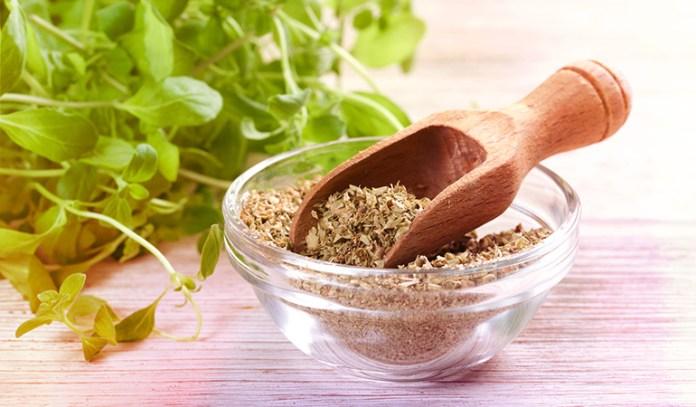 Two teaspoons of dried oregano: 0.66 mg of vitamin E (4.4% DV)