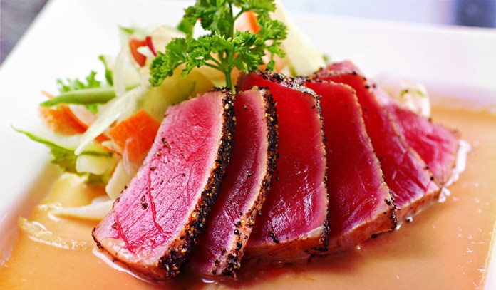 3 oz cooked yellowfin tuna has 18.76 mg vitamin B3 (117.3% DV).