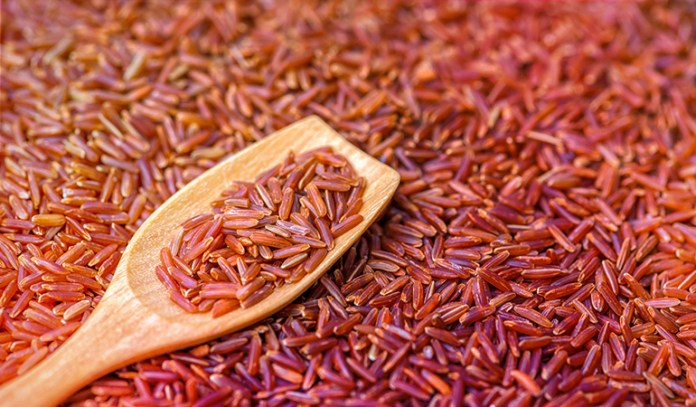 A cup of cooked medium-grained brown rice: 2.59 mg of vitamin B3 (16.2% DV).