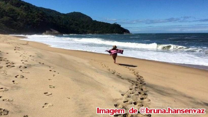 Praia do Simão - por Bruna Hansenvaz