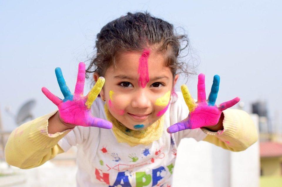 Es muy importante promover la creatividad en un niño