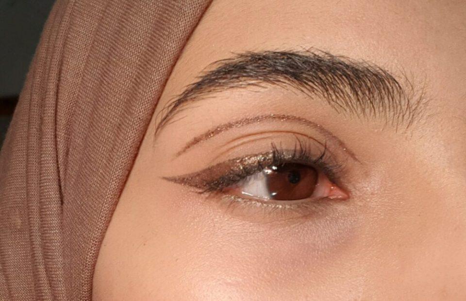 tips para conseguir una raya de ojo glitter perfecta