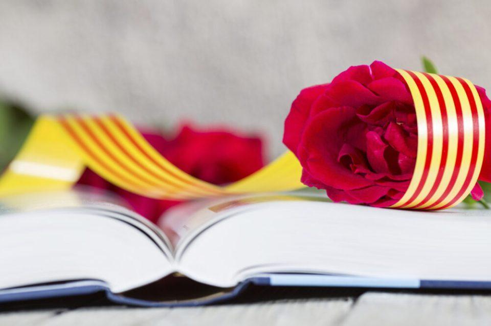 libros y rosas de sant jordi