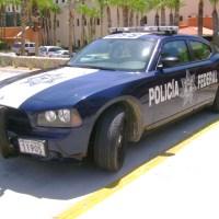 Descubre a su esposa en un escandaloso trío | Es policía