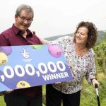 Gana la lotería un día después de quedarse sin trabajo y vivir el peor año de su vida