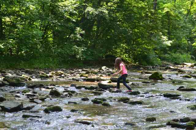 hiking with children McCormick's creek state park
