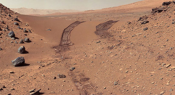 Did We Contaminate Mars? Traces of the Curiosity SUV on the Red Planet  NASA / JPL-Caltech / MSSS.