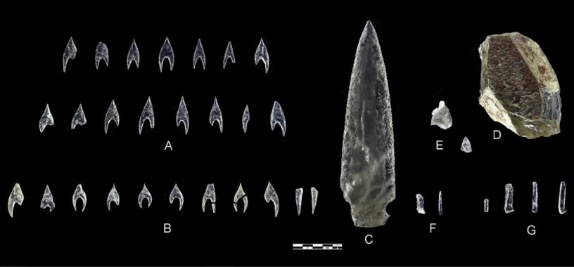 Objects studied in this paper. A: Ontiveros arrowheads; B: Montelirio tholos arrowheads; C: PP4-Montelirio dagger blade (Structure 10.049); D: Montelirio tholos core; E:PP4-Montelirio knapping debris (from UE-345 on the left and UE-919 on the right); F: PP4-Montelirio micro-blades (from Structure 10.015 on the left and Structure 10.043 on the right); G: Montelirio tholos microblades. Image Credit: Miguel Angel Blanco de la Rubia.